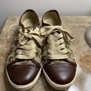 Michael Kora sneakers